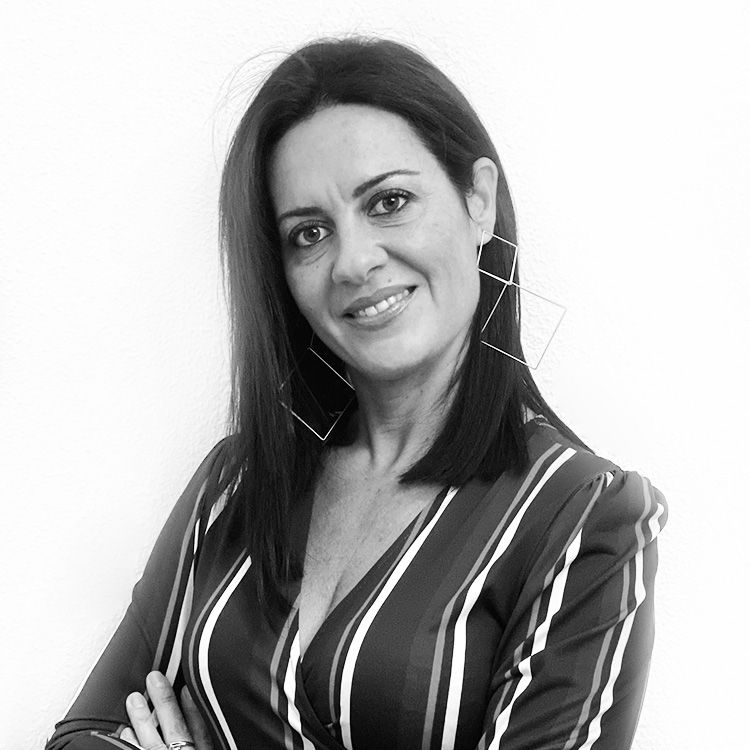 RaquelGonzález, Directora Comercial